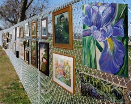 Art Center To Host Fence Show Art Sale