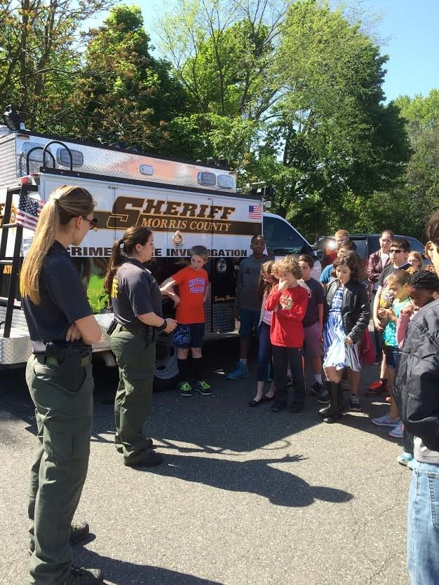 Morris County Detectives Visit Netcong School