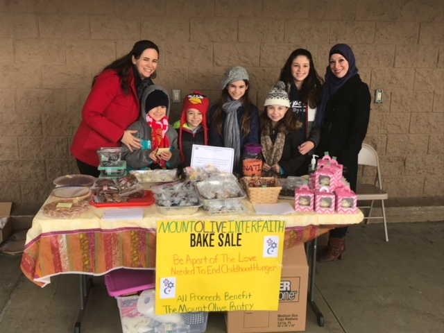 Faiths Join Hands To Help Local Food Pantry