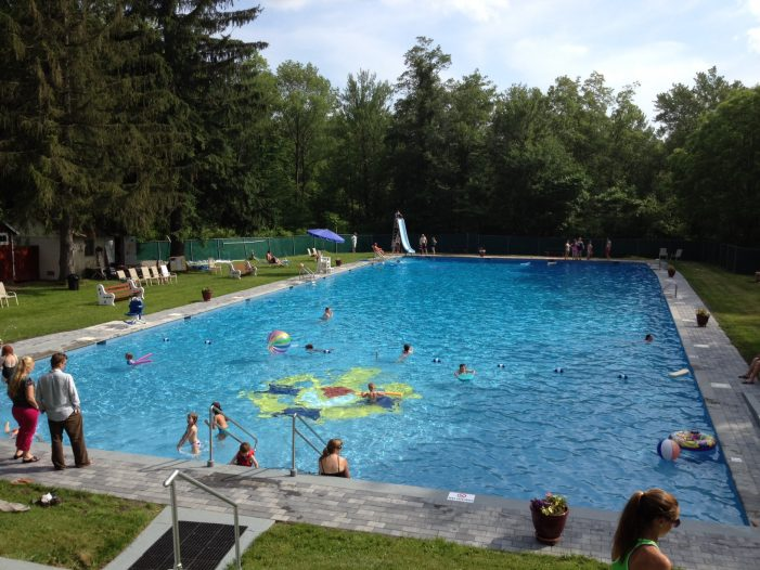 Vasa Park Opens Pool to the Public