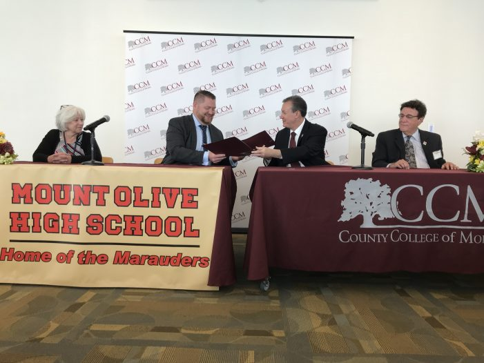 CCM and Mt. Olive Sign the College's First Dual Enrollment Agreement Students Can Earn College Credit at Their High School
