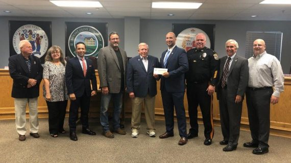 Mount Olive Lions Donate $1,000 to FOP