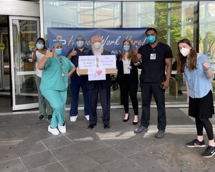 Passaic Chabad Center Donates Masks
