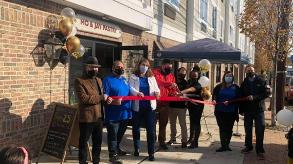Mo & Jay Pastry Opens in Little Falls
